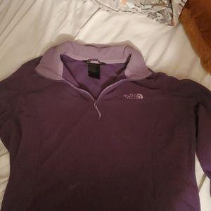 Soft Northface sweater